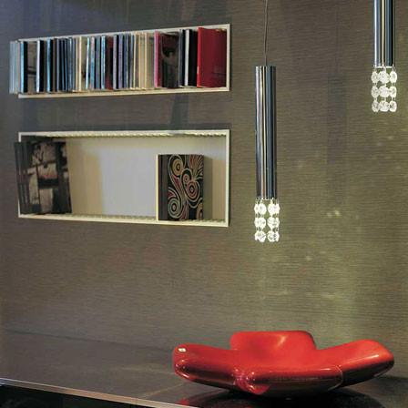 Zwei Molto Luce Alpha LED-Pendelleuchte in chrom mit Swarowski-Elementen.