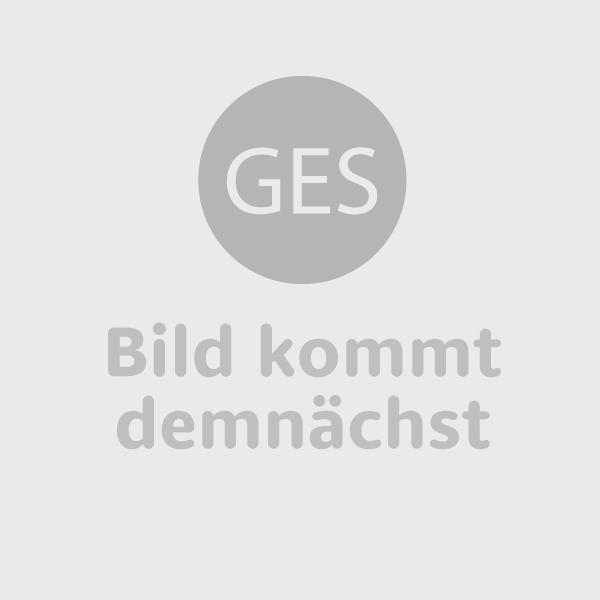 Radius Wall Flame II mit matter Edelstahloberfläche, schwarzem Korpus und schwarzem Glas